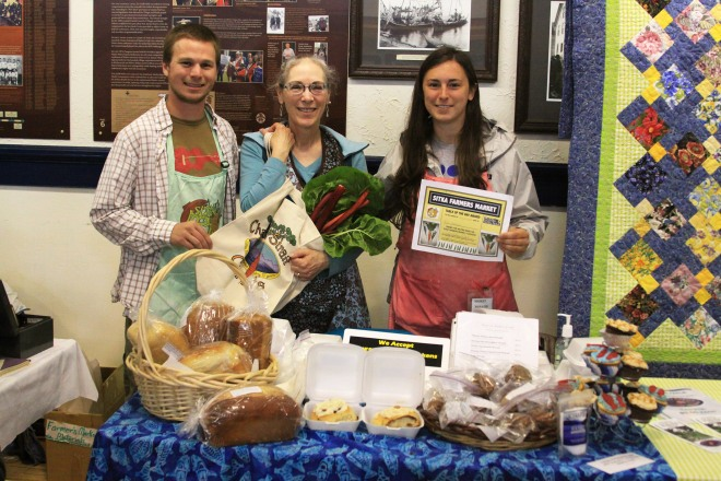 PHOTO COURTESY OF SITKA LOCAL FOODS NETWORK Sitka Farmers Market Co-Managers Garrett Bauer, left, and Sabrina Cimerol, right, present the Table Of The Day Award to Pat Hanson of Hanson Baked Goods at the third market of the season on Saturday, Aug. 3, at the Alaska Native Brotherhood Founders Hall in Sitka. Pat sells home-baked bread, cinnamon rolls and other treats at the markets. She received a gift bag with fresh produce, fresh rhubarb jam and a copy of the Alaska Farmers Market Cookbook. This is the sixth year of Sitka Farmers Markets, hosted by the Sitka Local Foods Network. The next market is from 10 a.m. to 1 p.m. on Saturday, Aug. 17, at the Alaska Native Brotherhood Founders Hall, 235 Katlian St. For more information about the Sitka Farmers Markets and Sitka Local Foods Network, go to http://www.sitkalocalfoodsnetwork.org/.